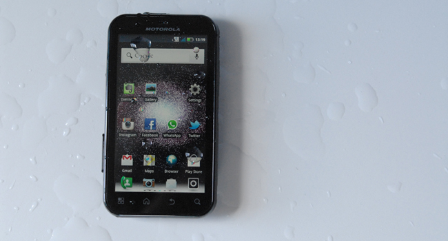 Motorola Defy+ front