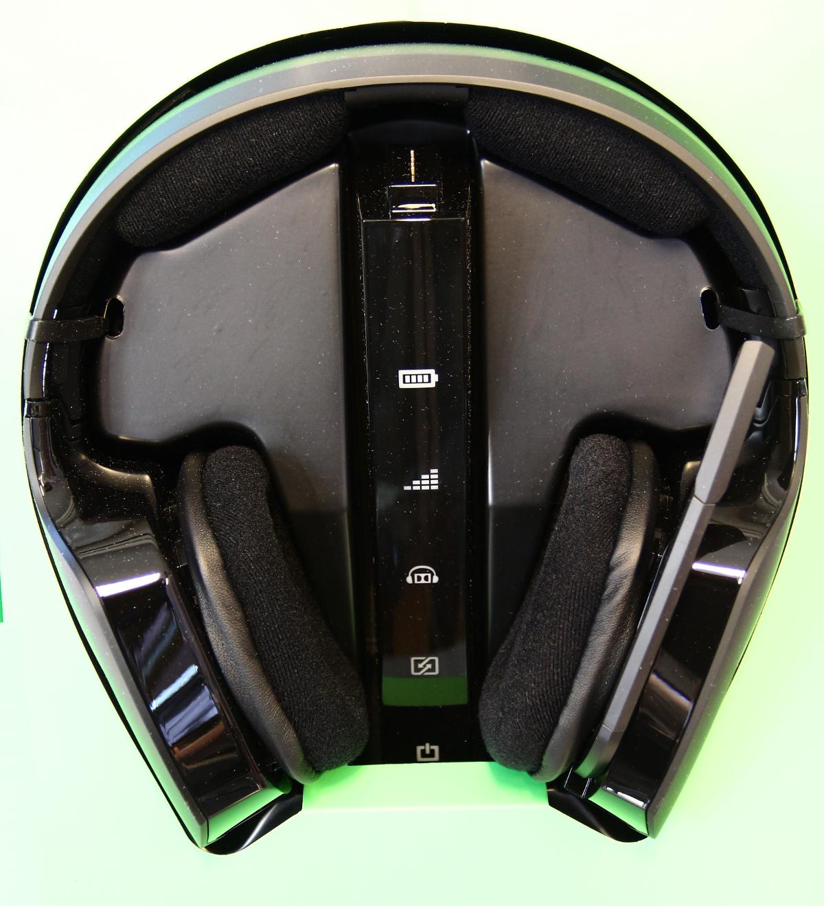 Full shot of the headphones