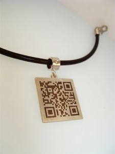 Tekno Charm necklace with QR Code