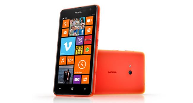 Lumia 625 pose orange