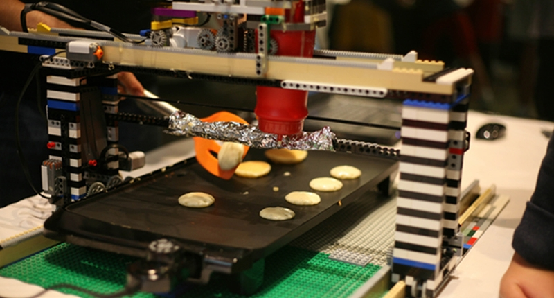 pancakebot lego