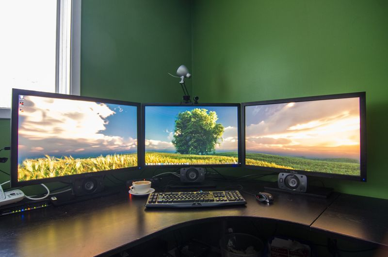 Star Citizen inspires monster gaming PC cockpit: 32GB RAM