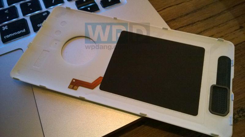 WPDang_Lumia-830-5