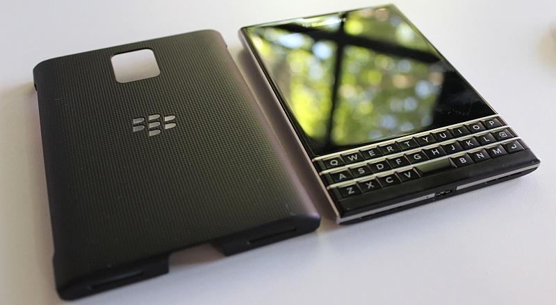 Blackberry Passport 4