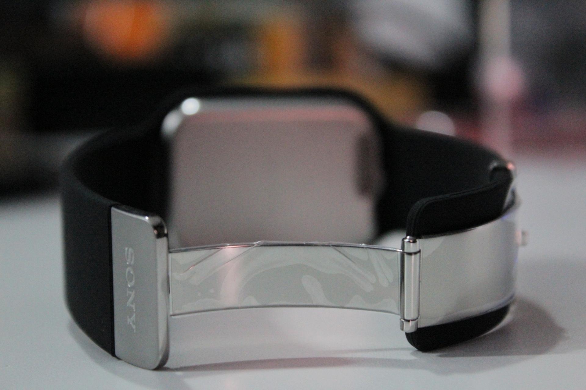 Sony SmartWatch 3 16