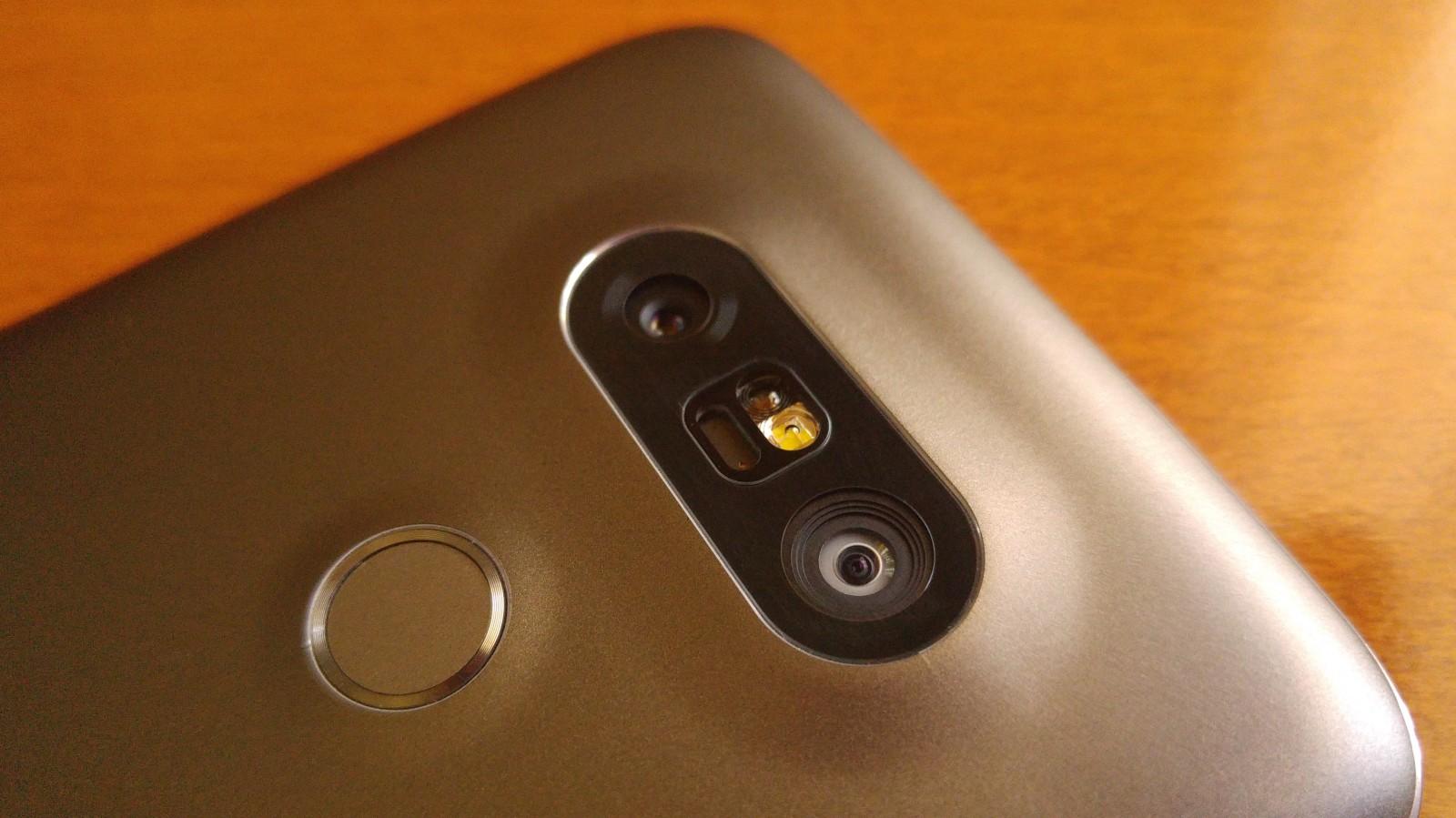 LG G5 rear cameras