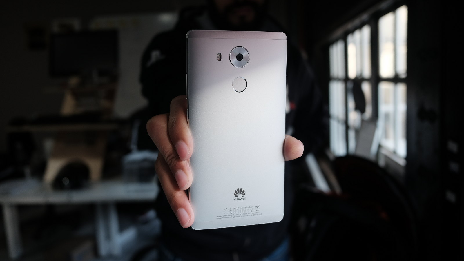 huawei mate 8 back featured