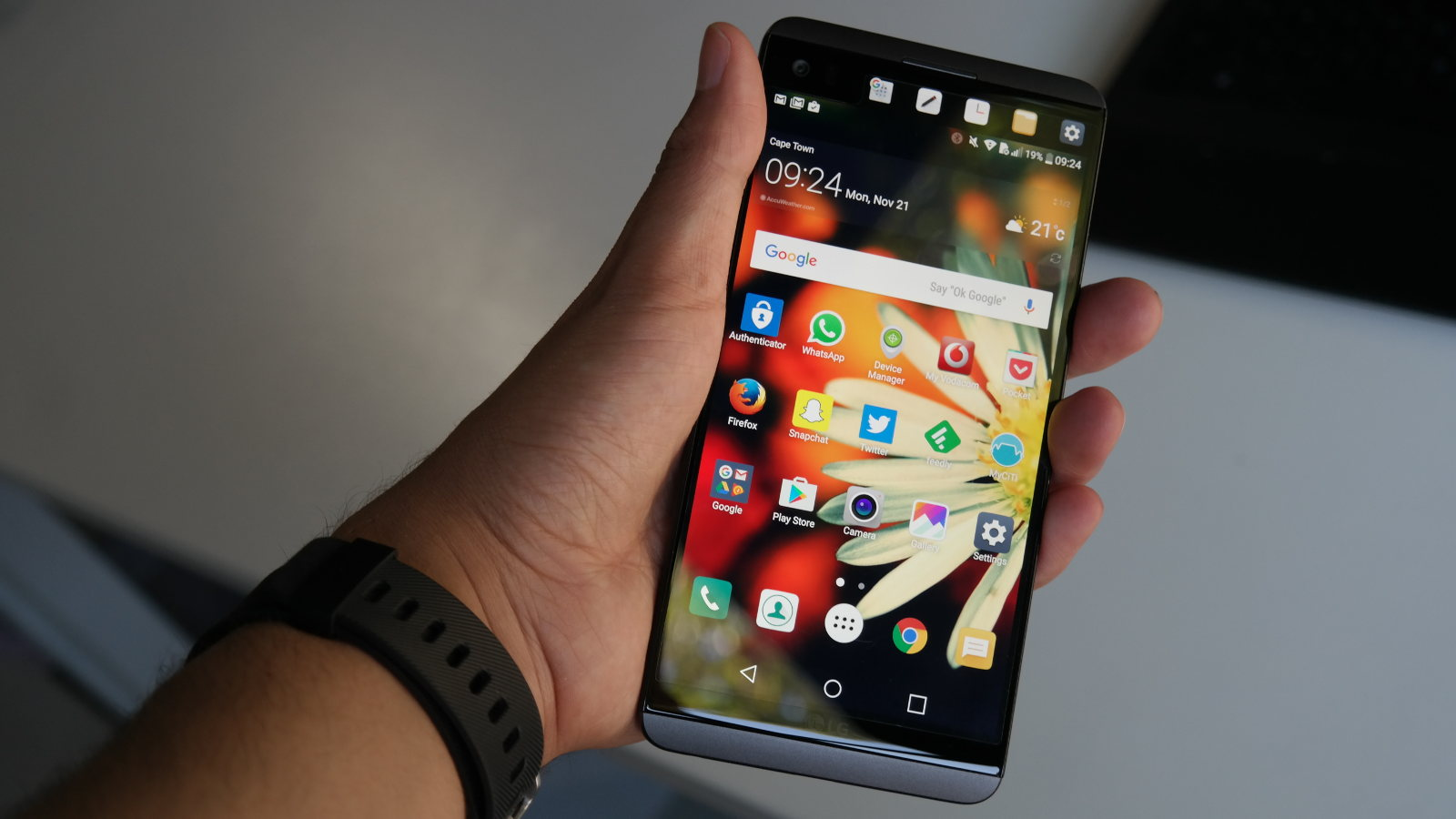 AMOLED vs LCD: which screen is best for your smartphone