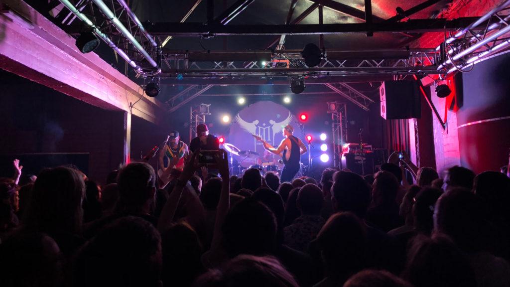 Alien Ant Farm,iPhone 8 Plus,live music