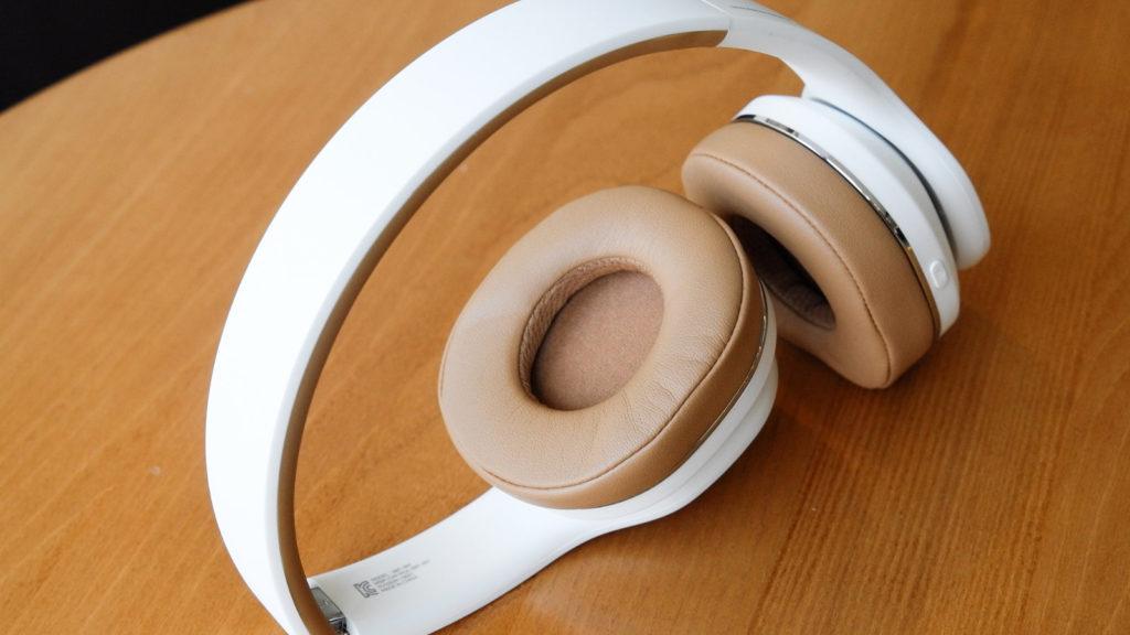 bluetooth headphones,cheap tech gifts,tech gifts,headphones,aaron yoo flickr