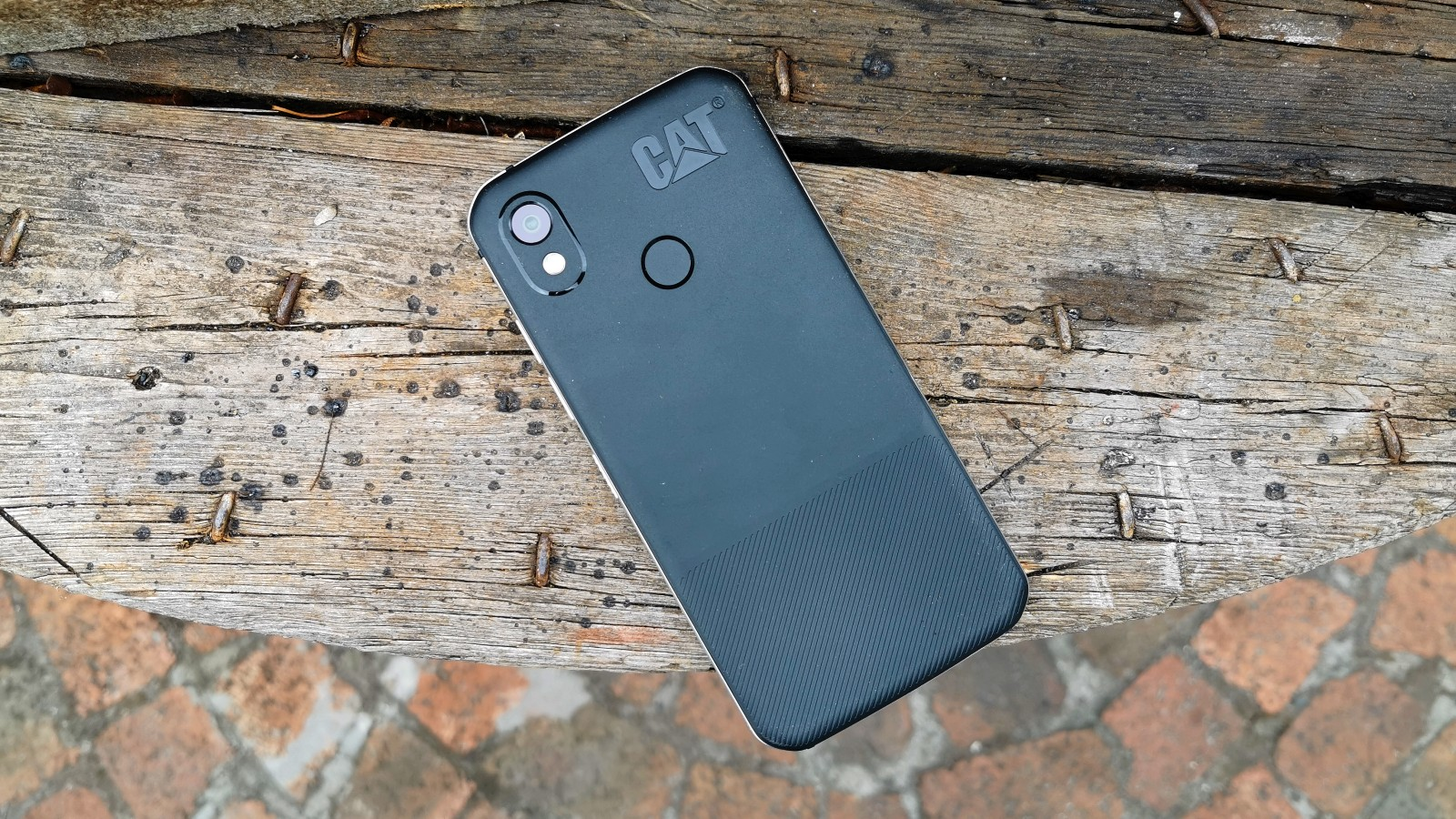 48 hours with the Cat S52, a rugged phone in a dinner jacket