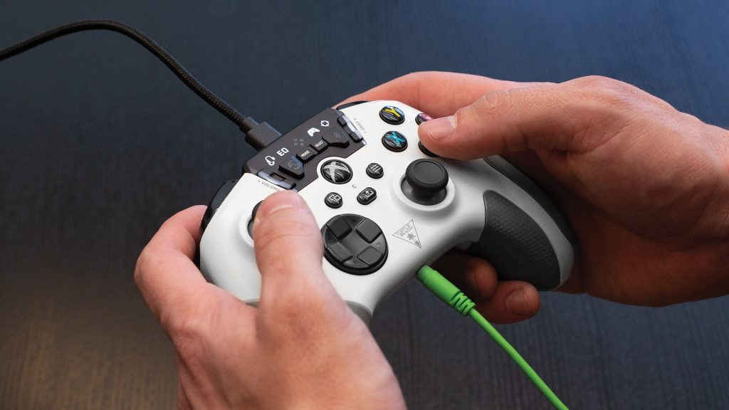 Turtle Beach Xbox Recon Controller Audi controls haptic feedback Series S X One PC