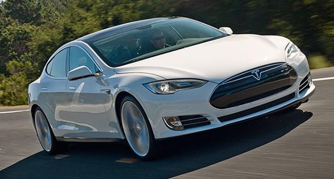 Tesla Motors sparks with 90 second battery swap service