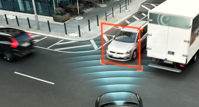 volvo xc90 intersection safety