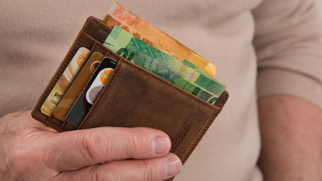 ecommerce money credit card pixabay stevepb