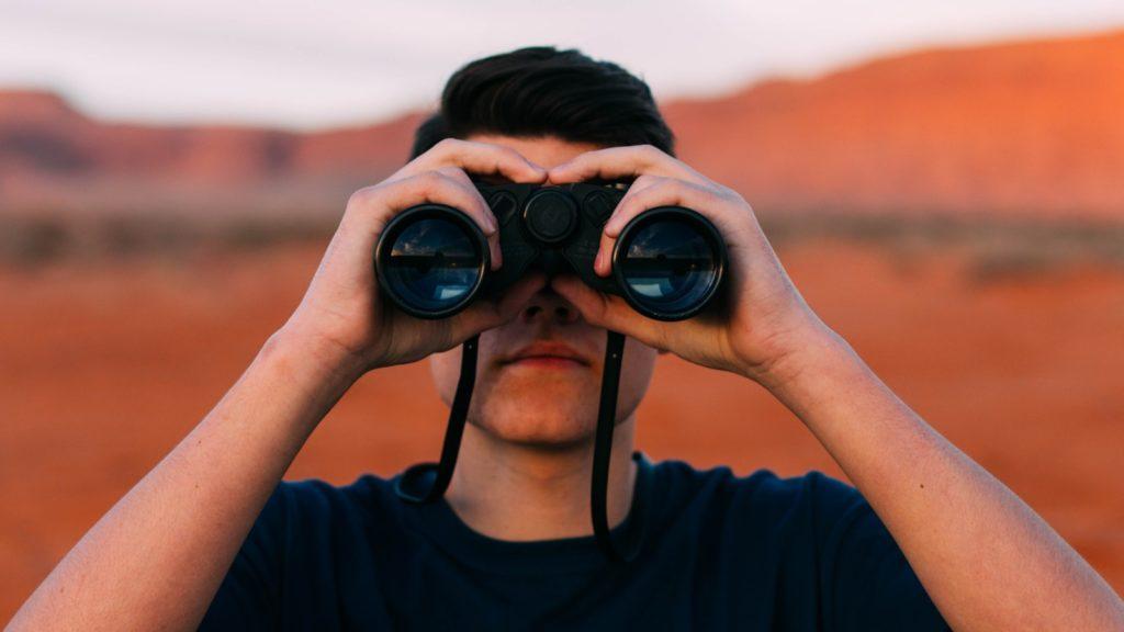 binoculars online privacy evan kirby unsplash