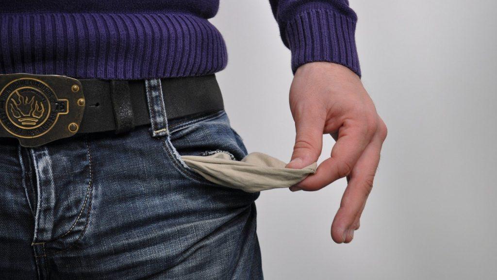 empty pocket social media scam