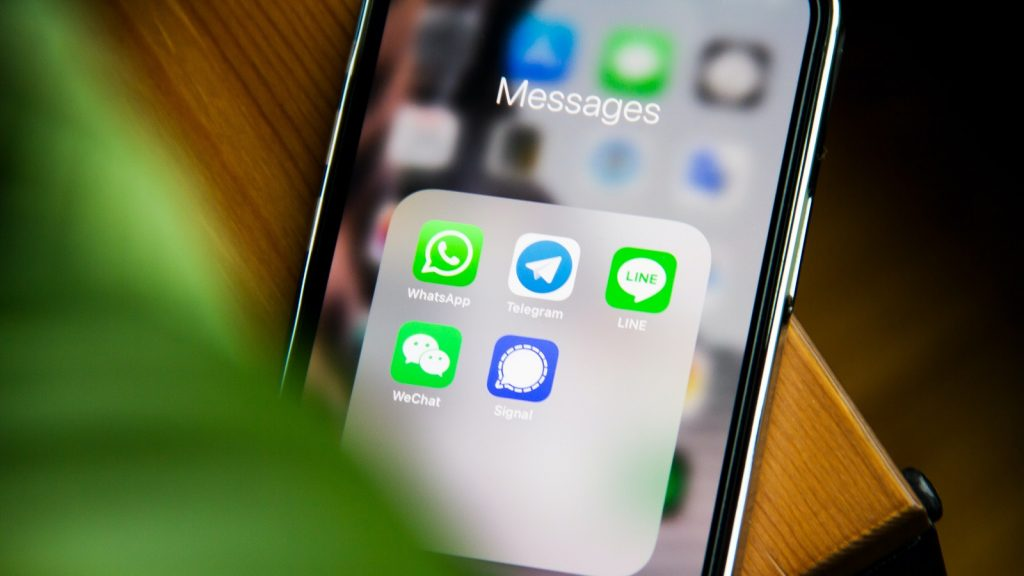 whatsapp phishing scams